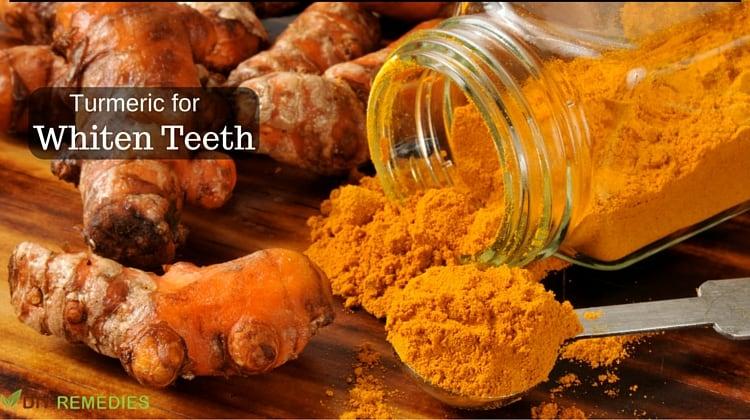 Turmeric-Whiten-Teeth